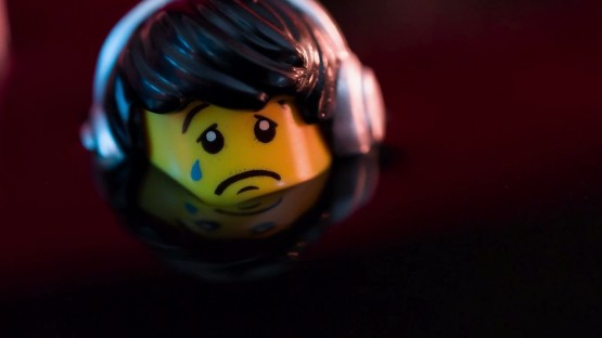 Stirling_Martin_Greenpeace_Lego 'Everything is NOT Awesome'